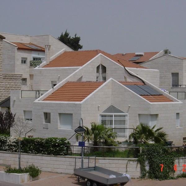 בנין מגורים ברמות